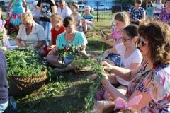 Мастер класс по плетению венков на празднике Ивана Купалы