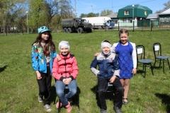 Юные камышловцы испытали себя в роли санитаров 9 мая