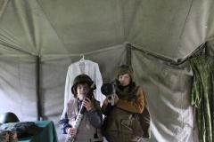 В военной палатке